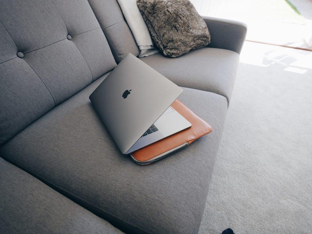 etui na laptopy